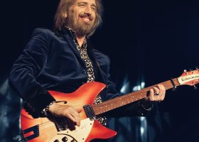 Tom Petty – Standing Ground